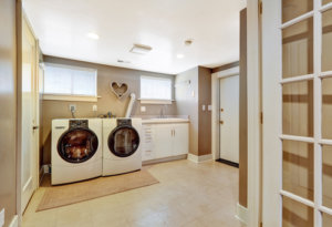 When is the best time to buy laundry appliances