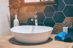 How do I choose the bathroom faucets