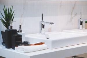 How do I choose a bathroom sink