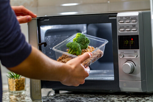 What are the signs that a microwave is going bad