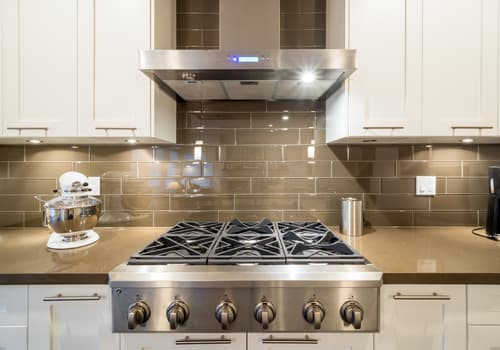 What is the difference between a cooktop and a rangetop
